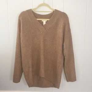 H&M comfy v-neck sweater, only has been worn once.